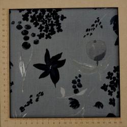 Tissu satinette fleurs sur fond gris