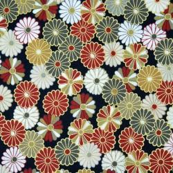 Tissu noir à motifs de chrysanthèmes stylisés en rouge beige gris blanc et doré