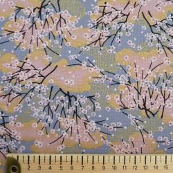 Tissu japonais petits cerisiers rose saumon et doré sur fond gris