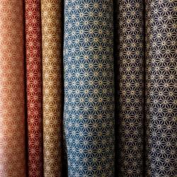 Tissu japonais bleu de prusse motif petit asanoha