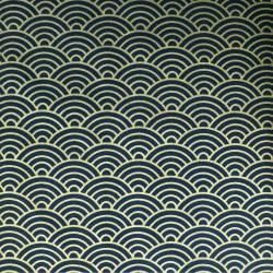 Tissu japonais vagues dorées sur fond bleu nuit