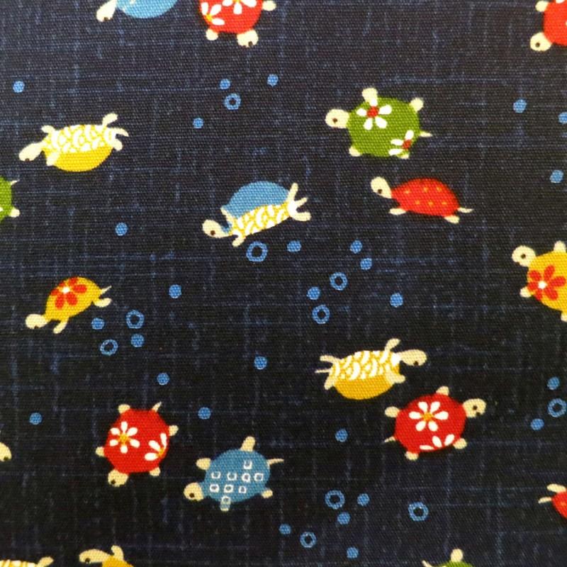 tissu japonais tortues sur fond bleu nuit